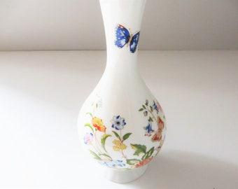 Aysley vintage 1970's Cottage garden bud vase