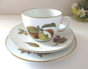 Royal Worcester Evesham vintage 1960's tea trio
