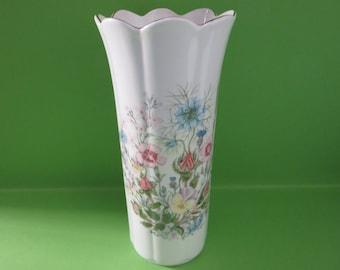 Aynsley vintage 1970's Mayfair style Wild tudor vase