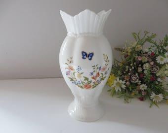Aynsley vintage Windsor 1970's  Cottage garden vase