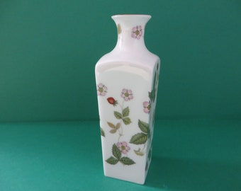 Wedgwood vintage  1960's Wild Strawberry bud vase