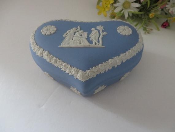 Wedgwood vintage pale blue 1970's heart shaped blue trinket pot