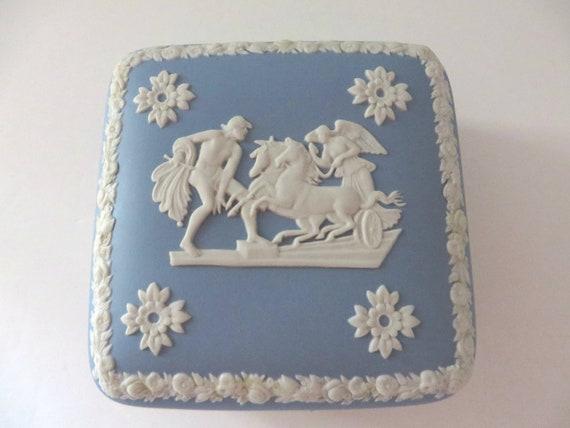 Wedgwood Jasperware vintage 1970's pale blue trinket box