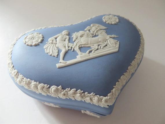 Wedgwood Jasperware vintage pale blue 1970's trinket box
