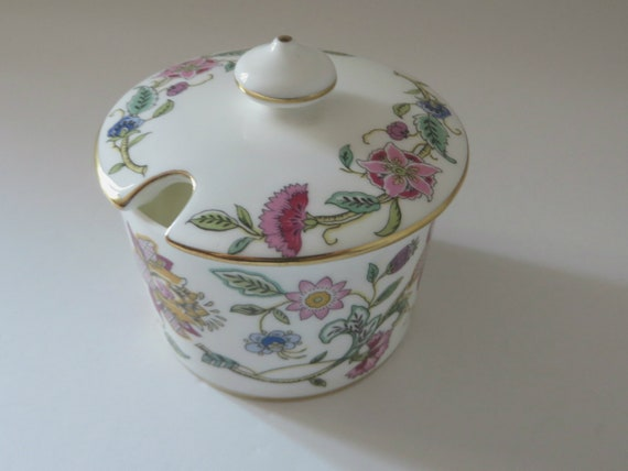 Minton vintage 1980's Haddon Hall lidded sugar pot