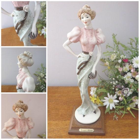Giuseppe Armani vintage 1990's Lady with a handbag Figurine