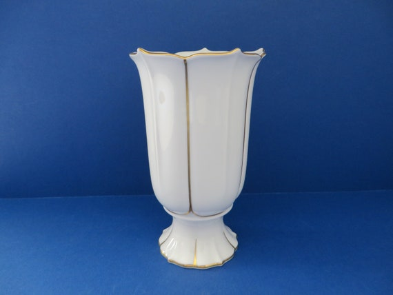 Kaiser West Germany vintage 1970's Ivette white and gold vase