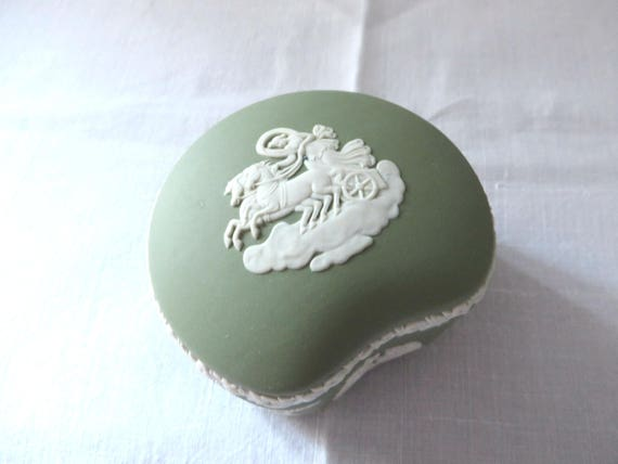 Wedgwood  Jasperware vintage 1980's sage green trinket box