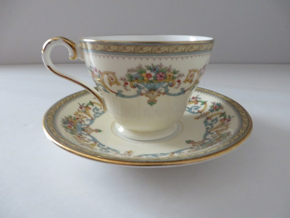 Aynsley vintage 1970's  Henley teacup and saucer