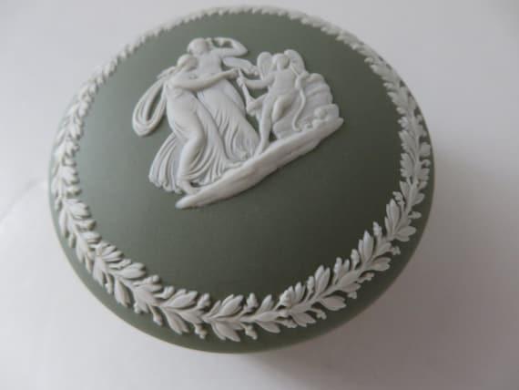 Wedgwood Jasperware vintage 1970's sage green trinket box