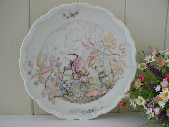 Royal Doulton vintage Wind in the Willows collectible plate