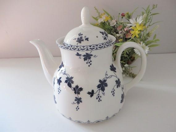 Royal Doulton 1960's vintage blue floral large teapot