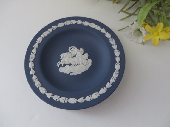 Wedgwood Jasperware vintage 1970's dark blue trinket dish