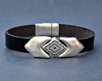 Arrowhead Mens Bracelet Geometric Arrow Leather Mens Bracelet Cuff Silver Plating Magnetic Clasp Customized On Your Wrist