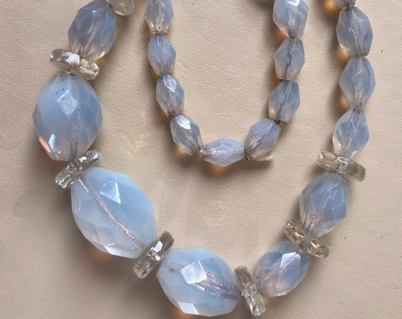Art Deco Opal Opalescent moonstone faceted Glass Beaded Necklace