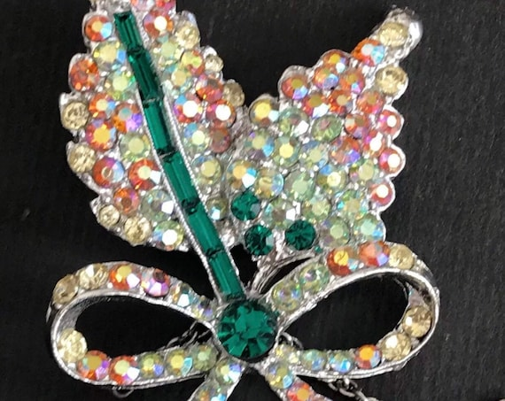 sparkling 1950s rhinestone brooch signed by vintage makers HOLLYWOOD