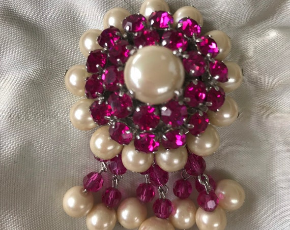 Christian Dior 1960 Stunning faux pearl and pink Rhinestone drop brooch signed Christian Dior 1960