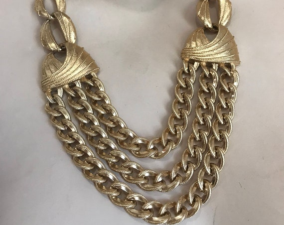 Stunning gold tone Signed Statement Piece Necklace by Napier