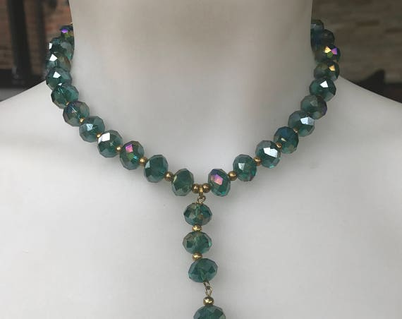 Vintage 1960s turquoise carnival glass tassel drop beaded choker necklace