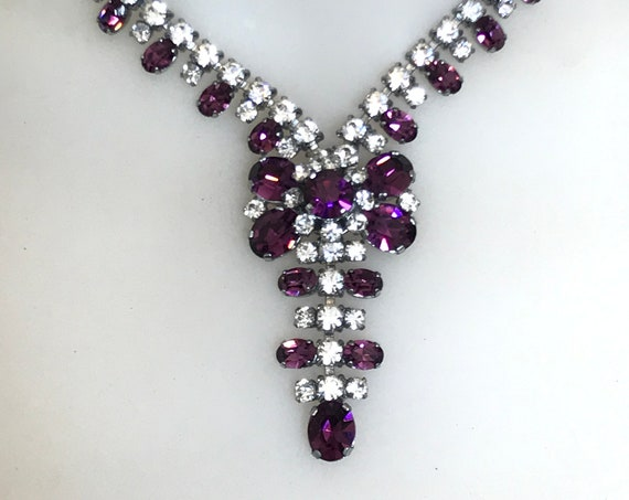 Striking vintage clear and purple rhinestone choker necklace Hollywood glamour style