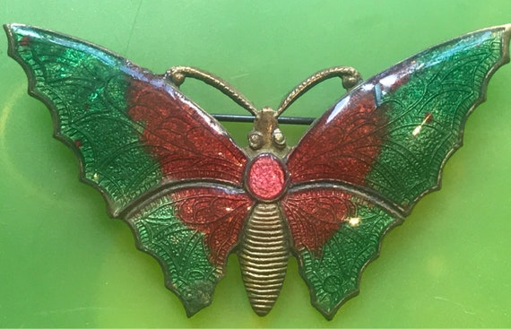 Beautiful vintage enamelled green butterfly brooch/pin