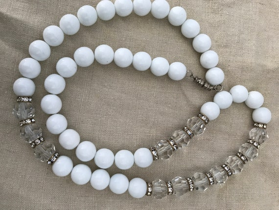 Stunning vintage long Art deco style white and clear cut glass flapper necklace Great Gatsby 1920 27inches