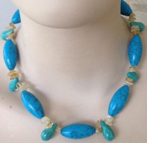 Beautiful vintage beaded Turquoise necklace