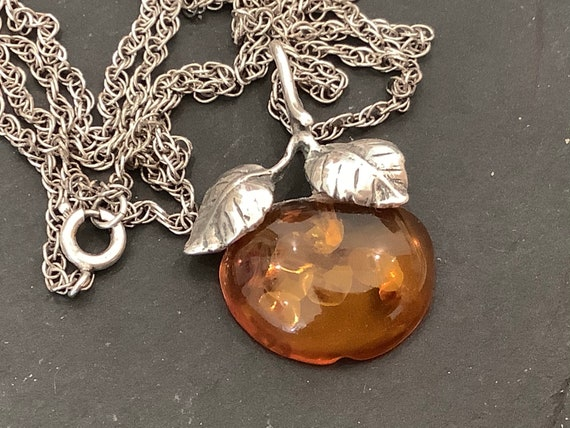 "Vintage 925 silver and Baltic Amber Cherry/ Apple  pendant on 24"" Sterling silver rope chain"