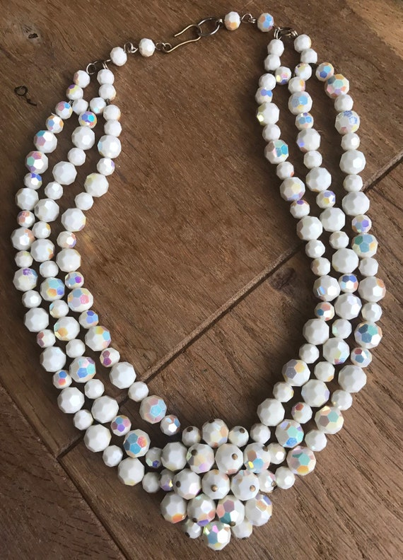 Vintage 1960s white carnival glass three stranded beaded choker necklace