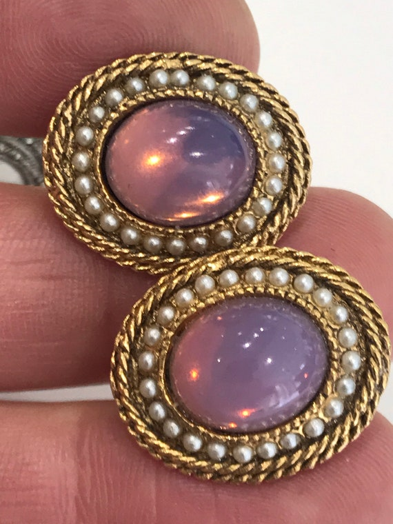 Signed vintage jewelcraft gold tone pink glass cabochons and pearl clip on earrings