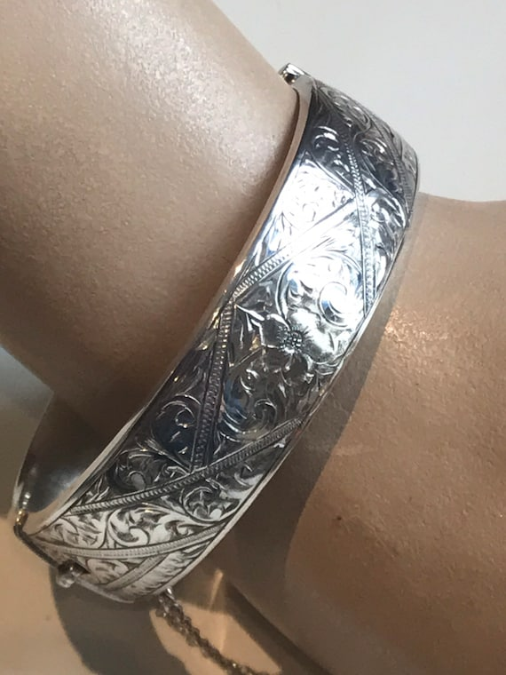 Vintage sterling silver Cuff bracelet Bangle Smith & Pepper Chester Assay mark Date 1958