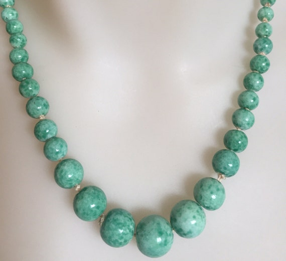 "Graduated hand knotted Art Deco Peking glass beaded necklace 19""inches"