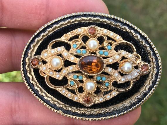A Striking Victorian revival style brooch by makers Art  Mode Jewellery Arthur Pepper Jewellery