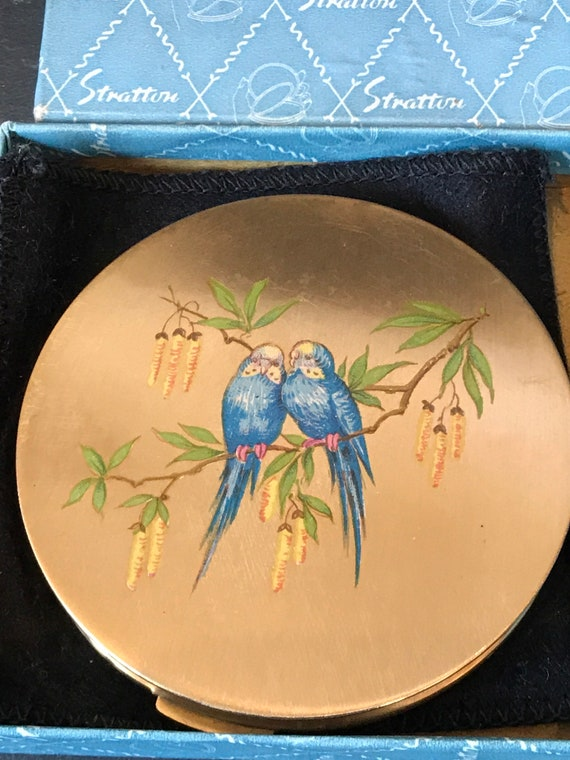 Beautiful vintage birds in tree compact byStratton excellent condition