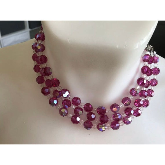 1950s three stranded cerise pink glass faceted crystal beaded necklace