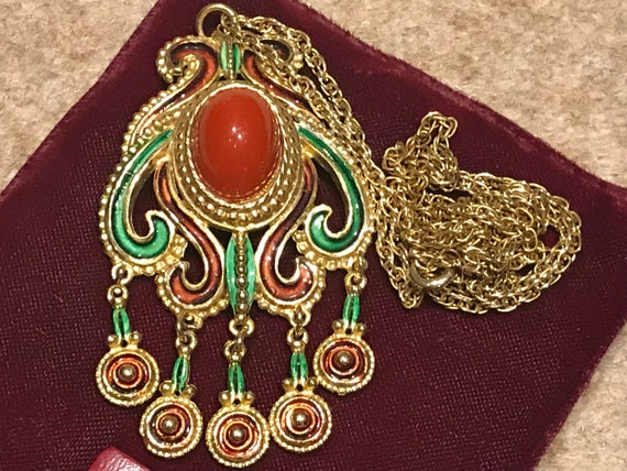 unique vintage Japanese Goldtone and enamelled vintage pendant necklace