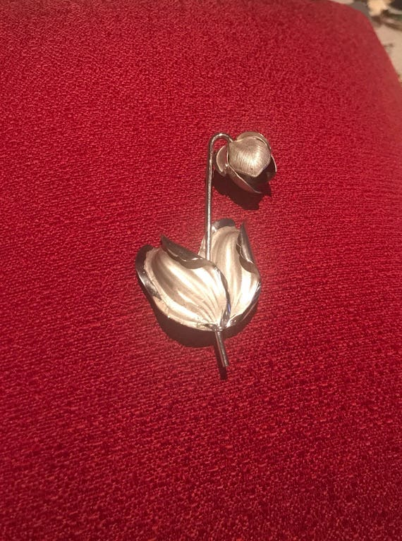vintage sterling silver flower brooch signed by Bond Boyd