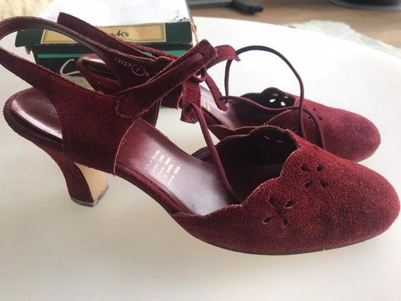 Vintage 1970's Clarks Wessex  polly wine  coloured suede heels sling back sandals sz7