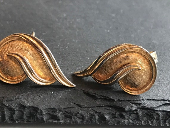 vintage 1970s Gold plated Designer signed PUCCINI clip on earrings