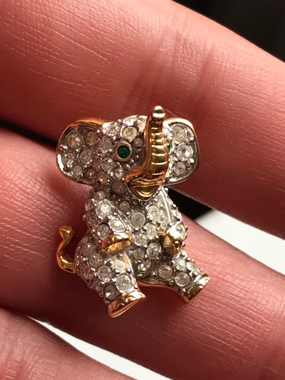 Small Signed Swarovski Crystal Elephant Lapel Pin Brooch