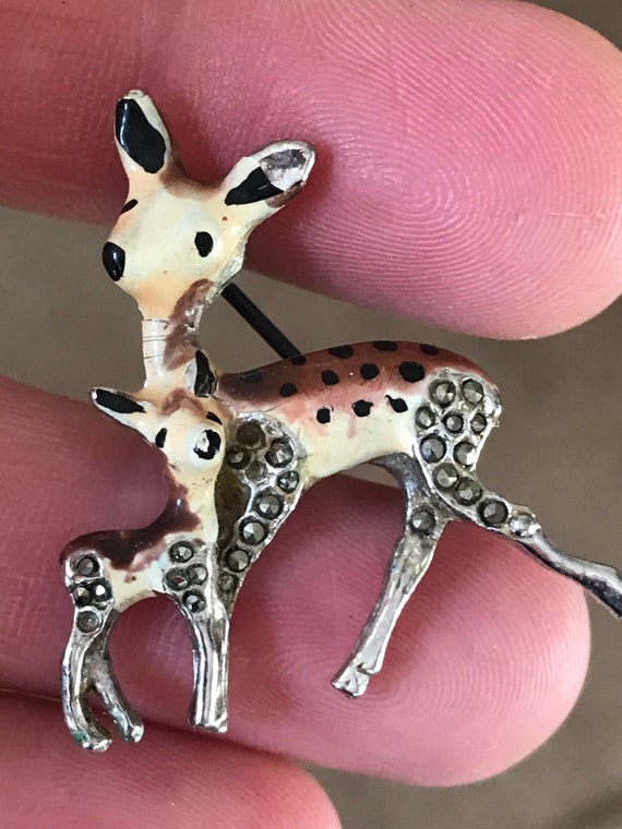 Beautiful vintage miniature baby Deer/ Fawn brooch/pin in enamel and marcasite
