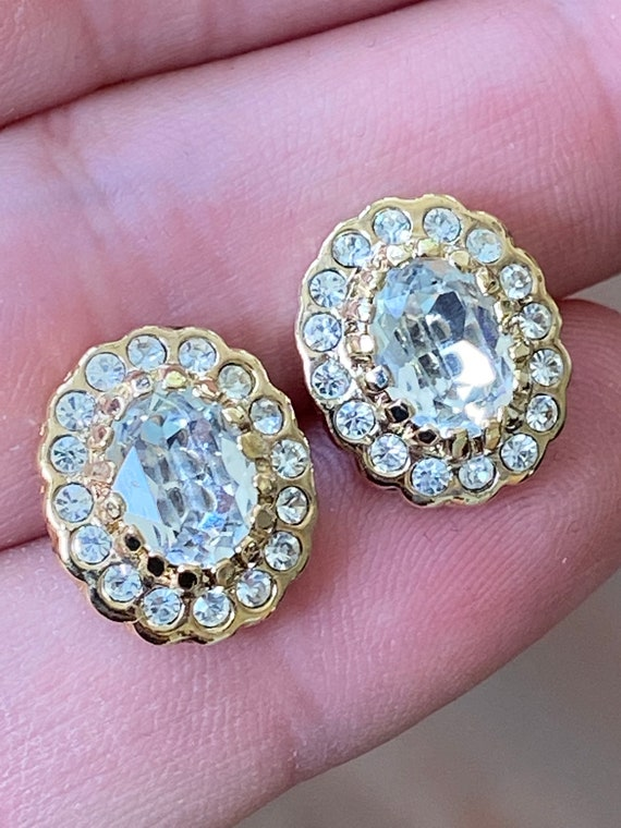 Vintage Signed Attwood & Sawyer elegant gold plated and diamanté cluster multi stone stud  earrings