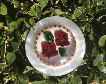 Beautiful Vintage carved Lucite floral roses  brooch/ pin c1950