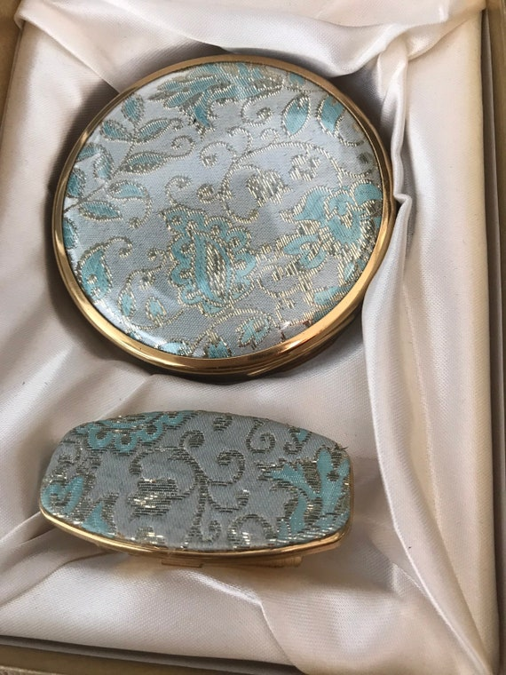 Blue tapestry set of 1950s matching compact and lipstick mirror mint condition