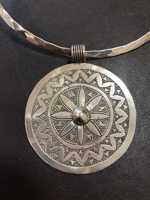 Vintage Moroccan solid silver bohemian ethnic choker pendant necklace