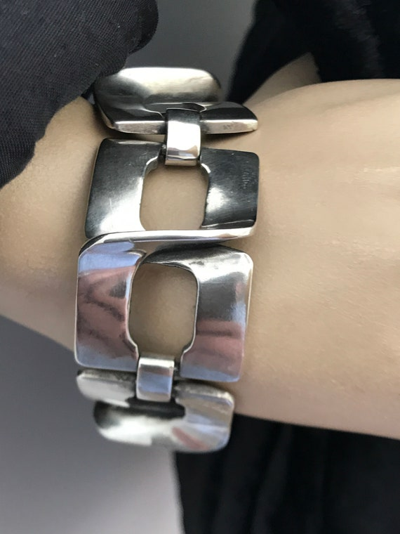 1970s Modernist chunky solid 925 silver bracelet signed by Ottairan Italy
