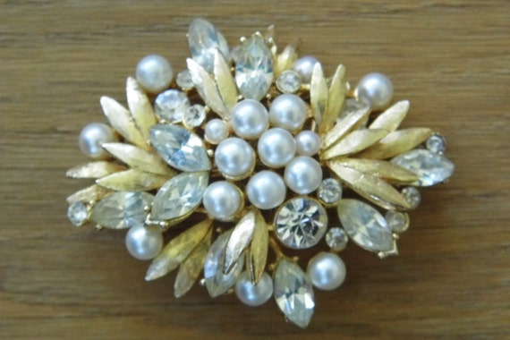Vintage faux pearl and crystal gold tone brooch