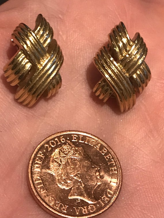 Vintage Grosse gold tone clip on earrings
