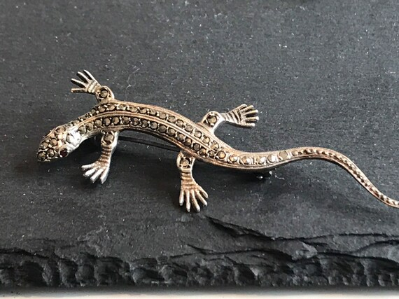 Art Deco 835 solid Silver And Marcasite Lizard salamander Brooch Pin set with Garnet Eyes