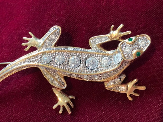 Vintage 1980s gold plated rhinestone Lizard brooch pin